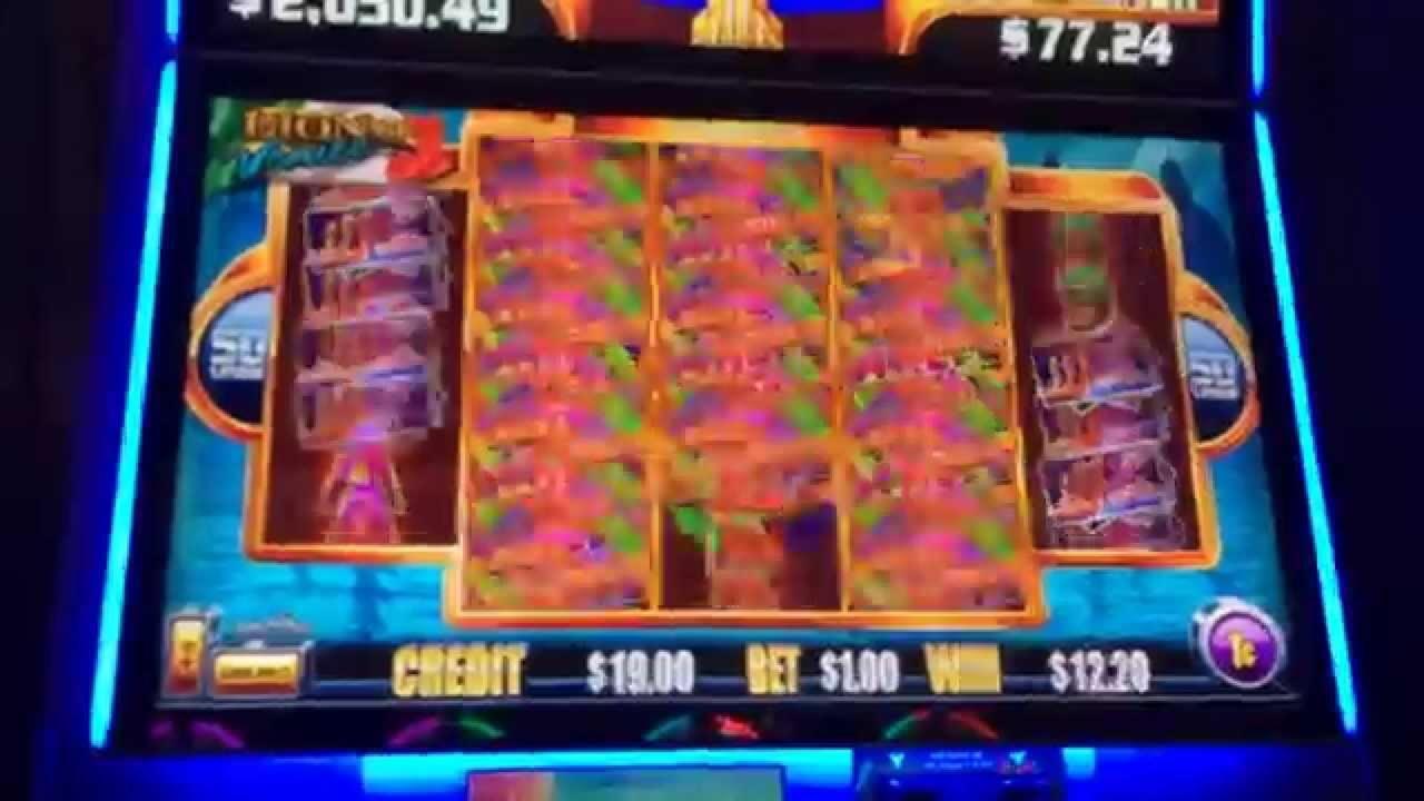 99 Free Spins no deposit at Royal Vegas Casino